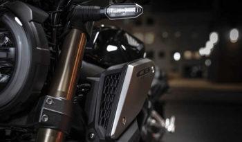 CB650R lleno